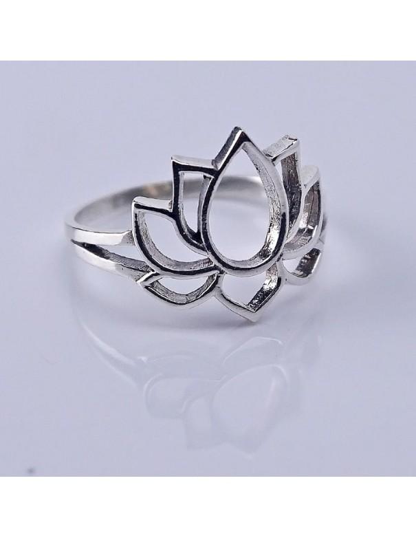 """Anillo de plata """"flor de loto""""- Joyería étnica."""